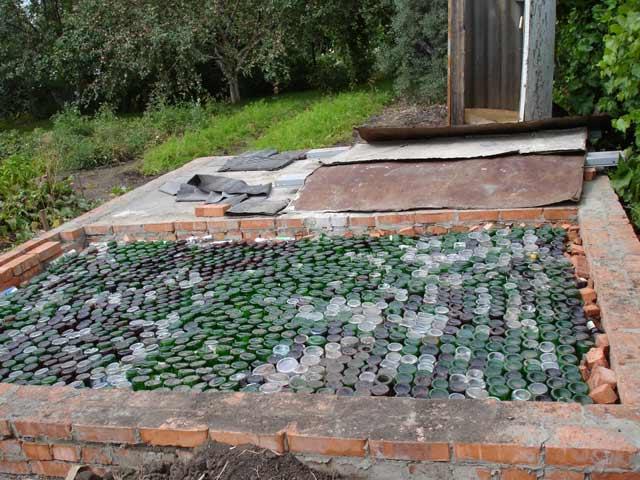 Баня из стеклянных бутылок